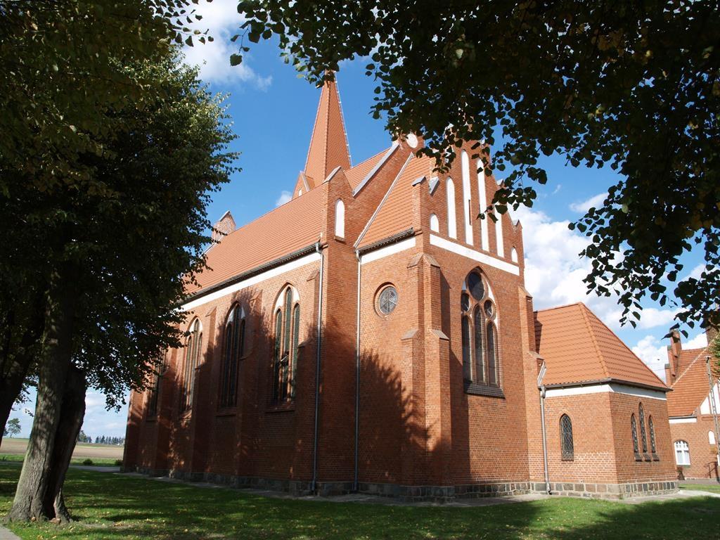 Neogotycki kościół w Smętowie Granicznym pochodzący z 1904r.